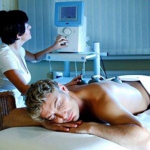 Медицинская реабилитация при заболеваниях сердечно-сосудистой системы. Лечебный массаж, физиотерапия