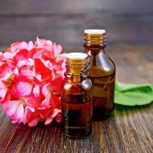 Эфирное масло герани - свойства и применение гераниевого аромамасла
