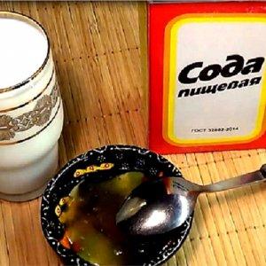Молоко с маслом и содой от кашля