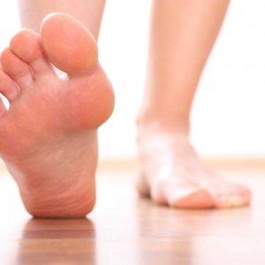 Шипица на пальце ноги: фото, лечение в домашних условиях, как лечить и как выглядит